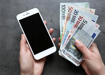Puhelimella rahaa pelitilille rahansiirto